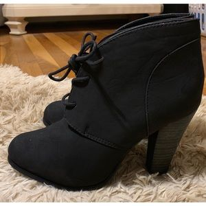 ❗️Torrid Black Lace Up Booties❗️